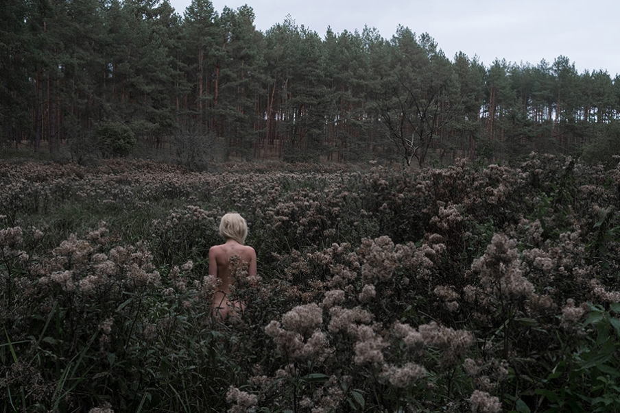 http://www.jennadallwitz.de/files/gimgs/th-39_naked-in-the-woods-2_web.jpg